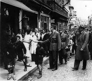 De Gaulle à Bayeux.jpg