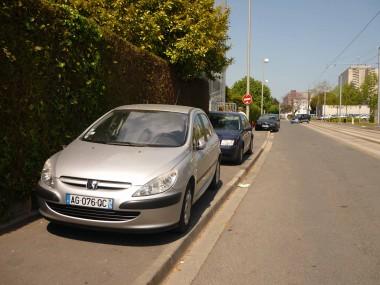 4-roues-sur-le-trottoir.jpg